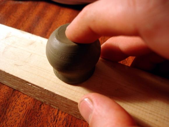 Уроки гончарного дела. Делаем маленькие горшочки.