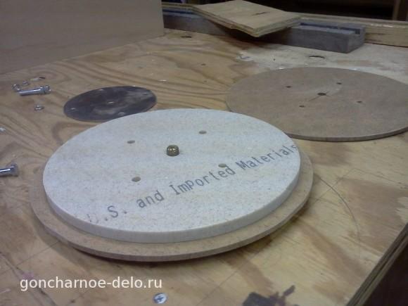 Ведомый вал гончарного круга из искусственного камня