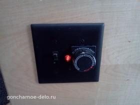 Панель с ручкой регулировки скорости и выключателем