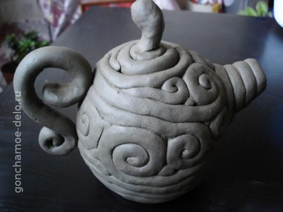 Лепка из глины жгутиками.  Готовый чайник