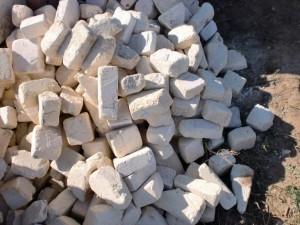 Light fireclay bricks for pottery kiln